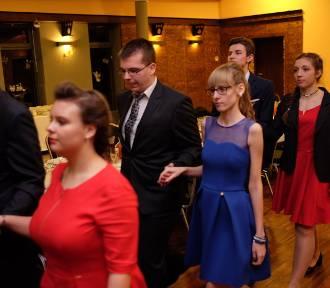 Studniówka 2016: Tak się bawią maturzyści z XXXIII LO w Poznaniu [ZDJĘCIA]