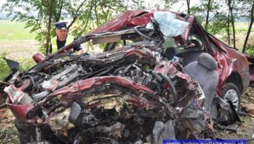 Śmiertelny wypadek pod Lubinem. Nie żyje 24-latek [zdjęcia, wideo]