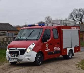 Strażacy OSP w Bronowicach dostali nowy samochód (ZDJĘCIA)