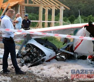 Wypadek awionetki w Nowogardzie. Nie żyje 60-letni mężczyzna [ZDJĘCIA]