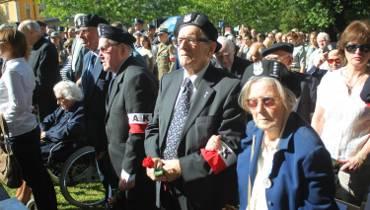 Poznaniacy oddali cześć uczestnikom Powstania Warszawskiego [ZDJĘCIA]