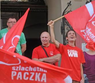 Szlachetna Paczka: Zatańczyli poloneza na sto dni przed finałem akcji [ZDJĘCIA]
