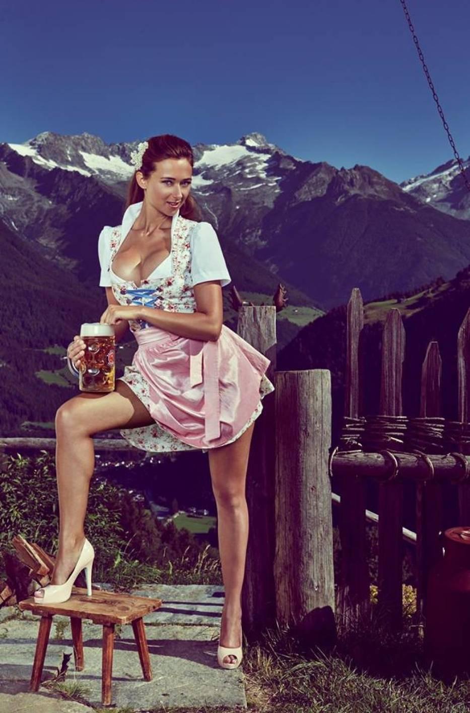 Oktoberfest 2015. Jessica Kühne miss święta piwa [zdjęcia