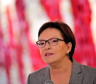 Ewa Kopacz pod Pomnikiem Poległych Stoczniowców: Solidarność to razem, a nie przeciwko sobie