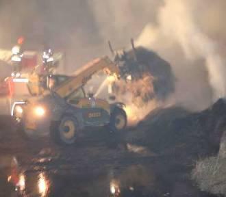 Pożar w Babkach Oleckich. Spłonęło 250 ton słomy [ZDJĘCIA]