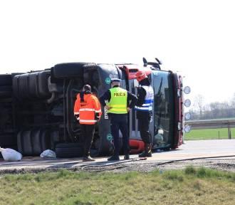 Syców: Wypadek na S8. Poważne utrudnienia w ruchu