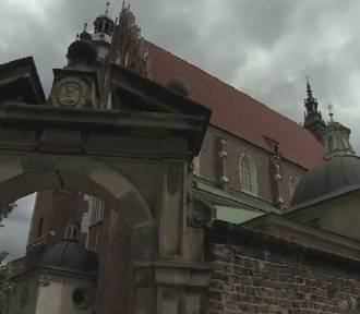 """Ukrainiec włamał się do bazyliki, ukradł 4 czaszki. """"Twierdzi, że szukał przodków"""" [wideo]"""