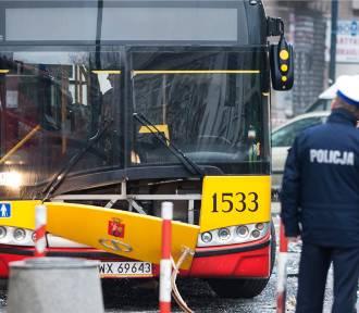 Wypadek na ulicy Anielewicza. Kilkoro dzieci trafiło do szpitala