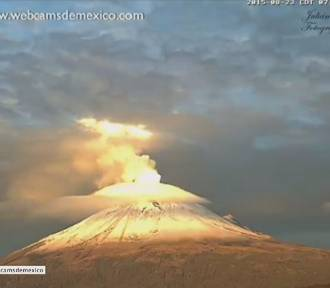 Nad wulkanem Popocatépetl w Mekstyk uformowała się niezwykła chmura