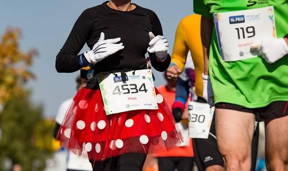Myszka Miki i Koziołek Matołek biegają! Poznań Maraton w obiektywie Szymona Muchy [ZDJĘCIA]
