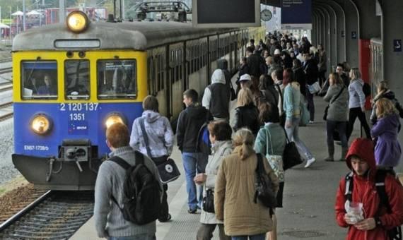Pociągi SKM mają opóźnienia przez zerwaną sieć trakcyjną