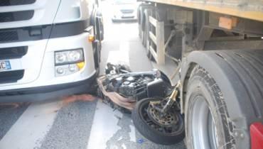 Wypadek motocyklisty w Koziegłowach. Mężczyzna trafił do szpitala [zdjęcia]