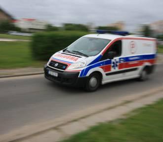 Zderzenie dwóch aut na Trakcie św.  Wojciecha. Dwie osoby ranne