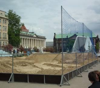 Plaża Wolności: Tony piasku i siatkówka już od środy! [ZDJĘCIA]