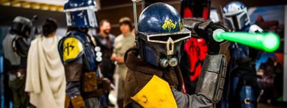 Konkursy i spotkania dla małych i dużych fanów historii rodziny Skywalkerów. Zaproszeni goście opowiedzą o swojej fascynacji światem Star Wars, a fani Sagi zmierzą się w konkursie wiedzy o świecie Dartha Vadera, Luka Skywalkera, Księżniczki Lei i innych postaci. W sobotę 10 października w Empiku w Galerii Mokotów odbędzie się dzień książki Star Wars.  10.10 (sobota), godz. 11:00 Empik, Galeria Mokotów, ul. Wołoska 11 wstęp wolny  [b]Zobacz więcej: [a]http://warszawa.naszemiasto.pl/artykul/dzien-ksiazki-star-wars-w-galerii-mokotow-wydarzenie-dla,3530503,artgal,t,id,tm.html;Dzień książki Star Wars w Galerii Mokotów. Wydarzenie dla wszystkich fanów[/a][/b] [b]Czytaj też: [a]http://warszawa.naszemiasto.pl/artykul/warszawa-za-darmo-bezplatne-weekendowe-wydarzenia-w-stolicy,3452449,galop,t,id,tm.html;WARSZAWA ZA DARMO. Bezpłatne weekendowe wydarzenia w stolicy [PRZEGLĄD][/a][/b]  [b]Zobacz też: [a]http://warszawa.naszemiasto.pl/artykul/imprezy-dla-dzieci-warszawa-nie-wiesz-co-robic-w-weekend-z,3532831,galop,t,id,tm.html;Imprezy dla dzieci, Warszawa. Nie wiesz co robić w weekend z dzieckiem? Podpowiadamy! [PRZEGLĄD][/a][/b]