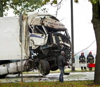 Wypadek na Alei Dębowej, zablokowana droga [ZDJĘCIA]
