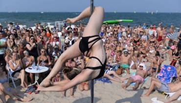 Summer Pole Battle na plaży w Sopocie [ZDJĘCIA, VIDEO]