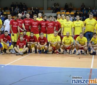 Koszykarze i siatkarze zagrali charytatywnie dla Marka Pliszki