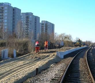 Otwarcie nowych peronów w połowie roku