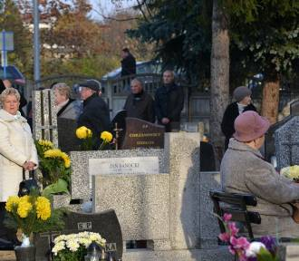 Tczew: klientów szukali na... cmentarzu