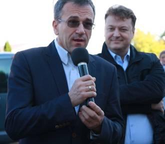 PIKIETA pod szpitalem w Sycowie. Starosta Kociński ratował się ucieczką (ZDJĘCIA oraz FILM)