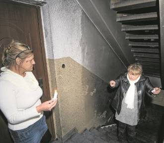 Pożar w bloku przy ul. Olsztyńskiej w Toruniu rozniecili nieletni