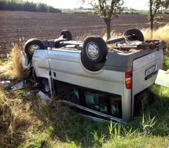 """Wypadek w Subkowach: na """"jedynce"""" dachowało auto [AKTUALIZACJA, ZDJĘCIA]"""