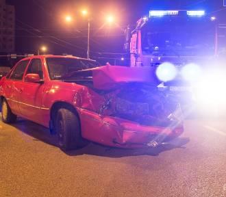 Wypadek w Elblągu. Zderzyły się dwa samochody [ZDJĘCIA]