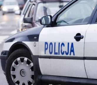 Wypadek w Olsztynie. Szarża 20-latki zakończona na latarni [FILM]