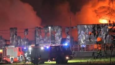 Pożar hali w Turku. Nie żyją dwie osoby [wideo]