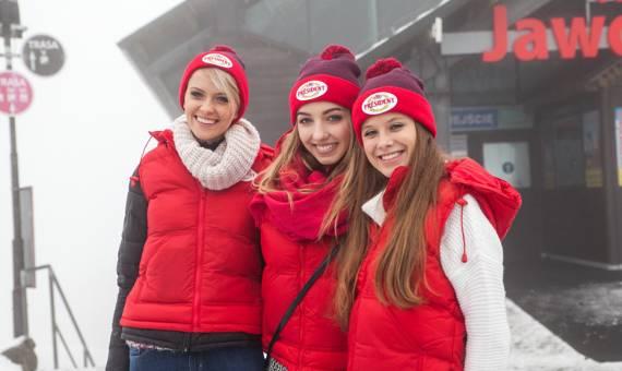 Piękne dziewczyny w zimowej scenerii. Zazdrościmy im tego wyjazdu! [ZDJĘCIA]
