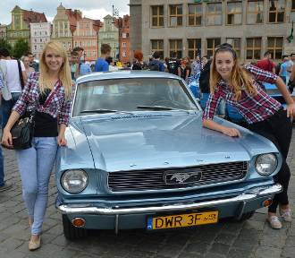 Mustangi na Rynku. 50 aut rusza w Mustang Race 2015 (ZDJĘCIA)