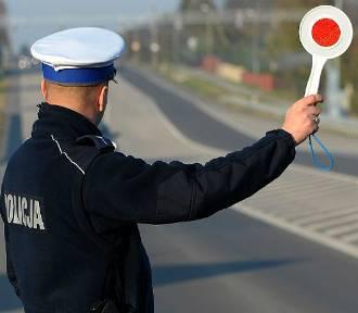 Bezpieczny Pieszy, akcja puckiej drogówki. Mandaty dla 30 osób   Nadmorska Kronika Policyjna