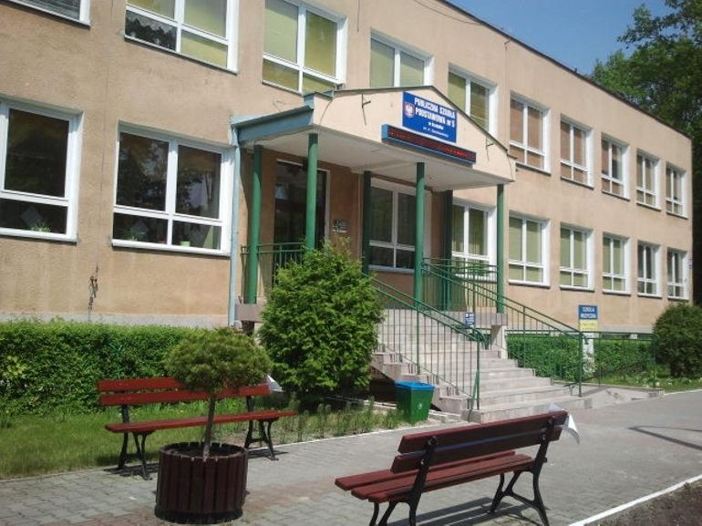 Szkoła Podstawowa nr 5 im. Henryka Sienkiewicza w Kraśniku