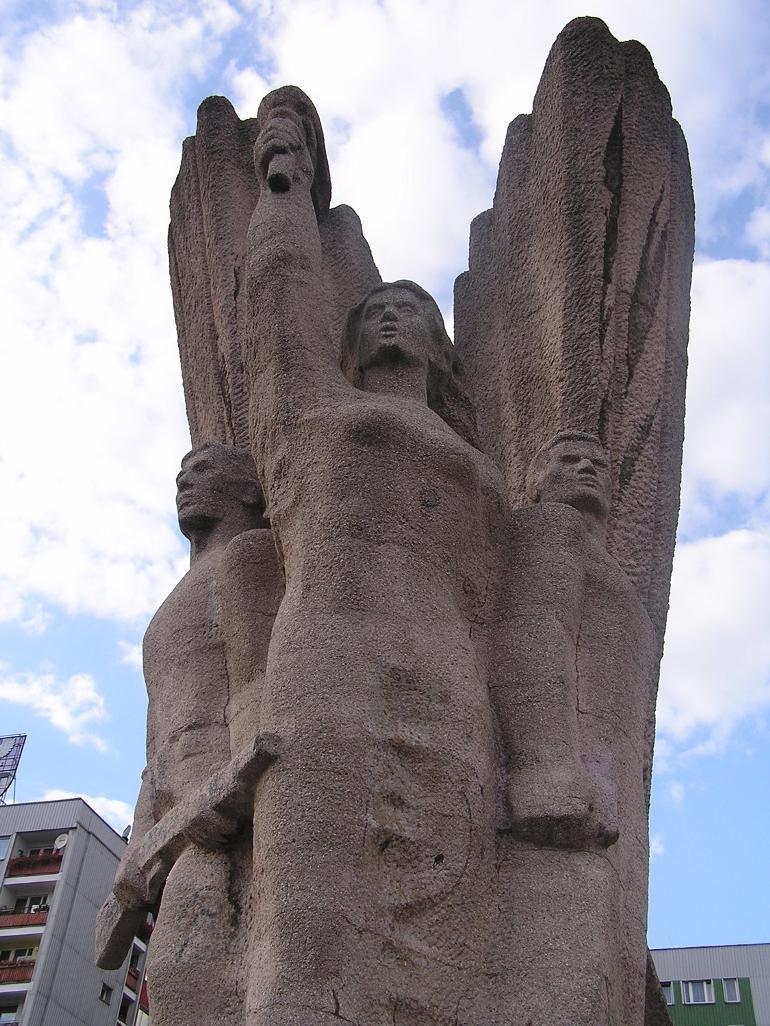 Pomnik Bohaterom Czerwonych Sztandarów