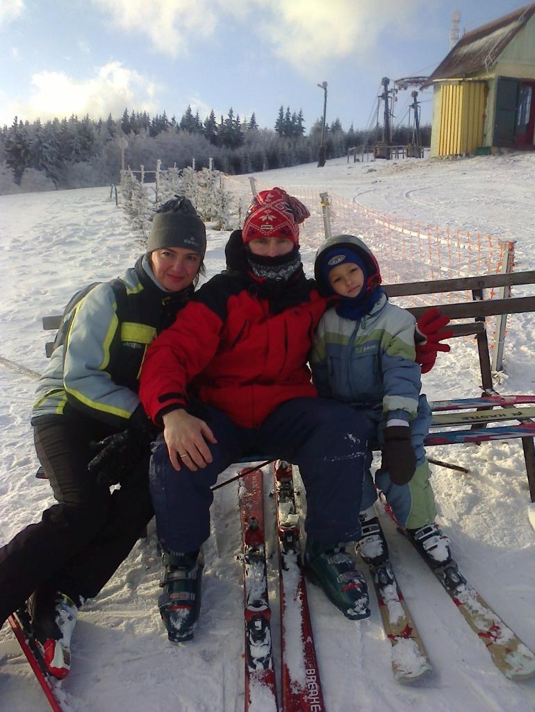 Całą rodzinką na nartach