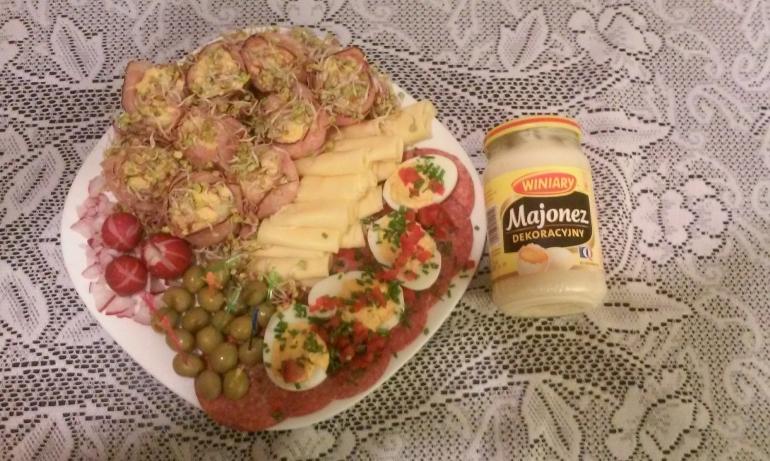 Talerz rozmaitości z majonezem
