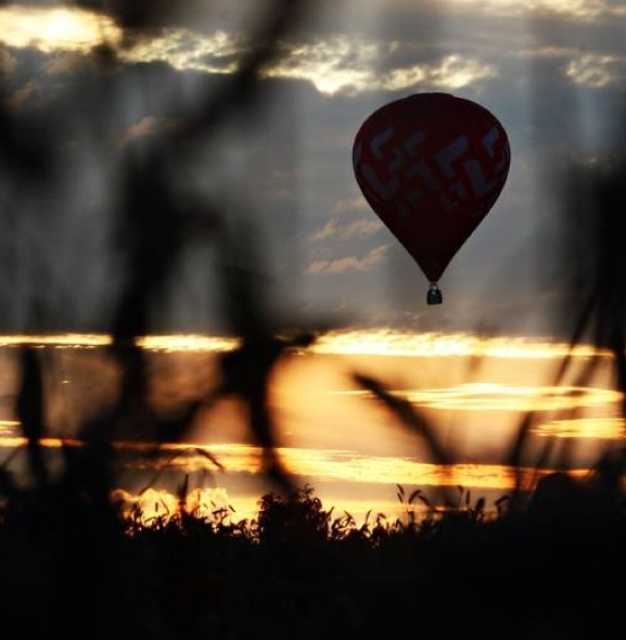 Balony nad Nałęczowem. Zrób zdjęcie i wygraj podniebny lot balonem!