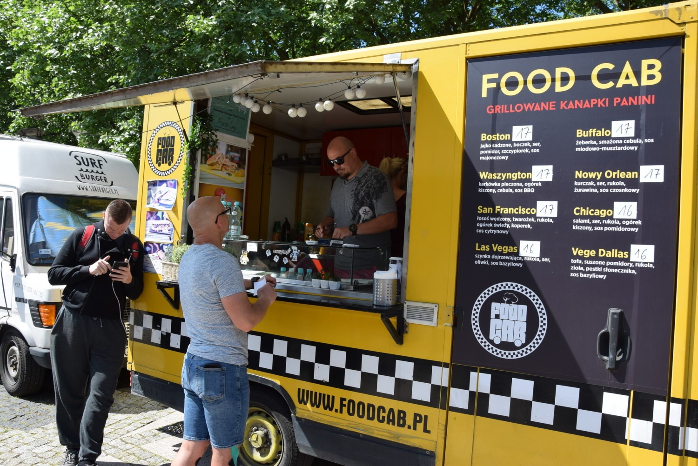 Food trucki zawitały do Gorzowa. Trwa wielki festiwal smaków! [ZDJĘCIA]