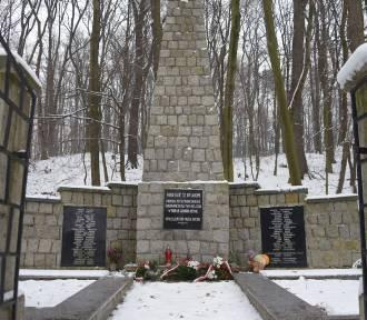 Bochnia: obchody 79. rocznicy mordu na Uzborni [ZDJĘCIA]