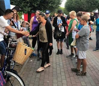 """Finał akcji """"Gadżety za bilety"""". Za 400 biletów wygrała rower!"""