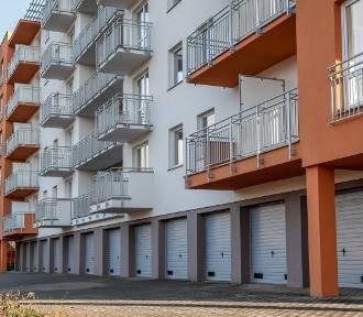 """Krajowy Program Odbudowy – rząd zbuduje 75 tys. mieszkań? """"Niezgodne z wymogami UE"""""""