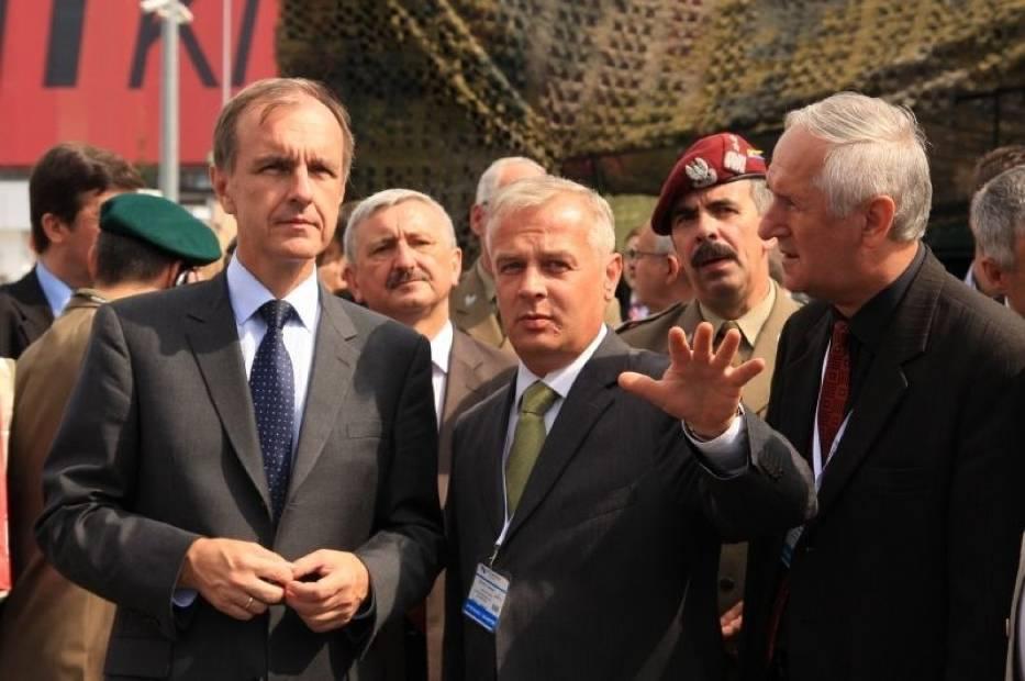 Targi oglądał minister obrony narodowej Bogdan Klich… fot