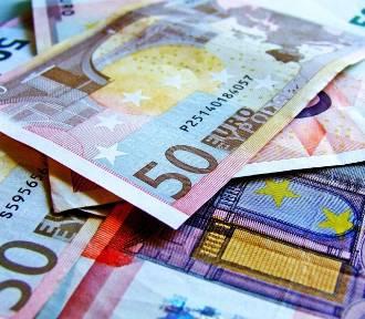 Płaca minimalna w różnych krajach. Porównaj zarobki w UE