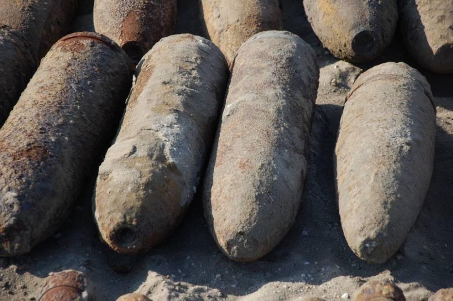13 września 2012 Prawie 500 pocisków znaleziono pod OpocznemPrawdziwy arsenał broni pochodzącej z czasów II wojny światowej znaleźli pracownicy wykonujący roboty przy rowach melioracyjnych w miejscowości Dzielna w gm