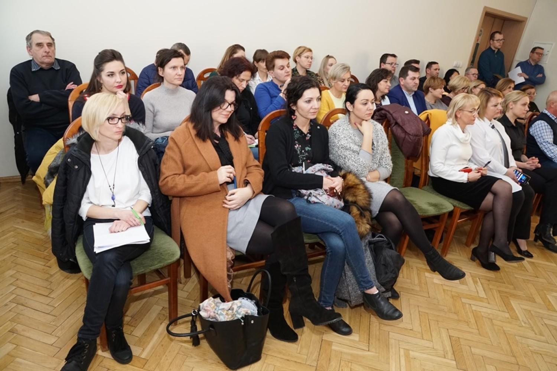 Udział w posiedzeniu komisji wzięła również radna Sejmiku Województwa Dolnośląskiego Anna Michalska, przekazując wątpliwości co do sposobu realizacji koncepcji gminy