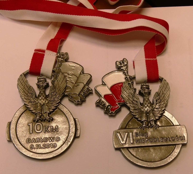 Medale czekają na uczestników Biegu Niepodległości