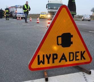 Wypadek na DK1 niedaleko Piotrkowa. Cztery osoby ranne
