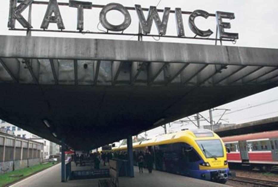 """Nowoczesne """"Flirty"""" obsługują trasę Tychy-Katowice"""