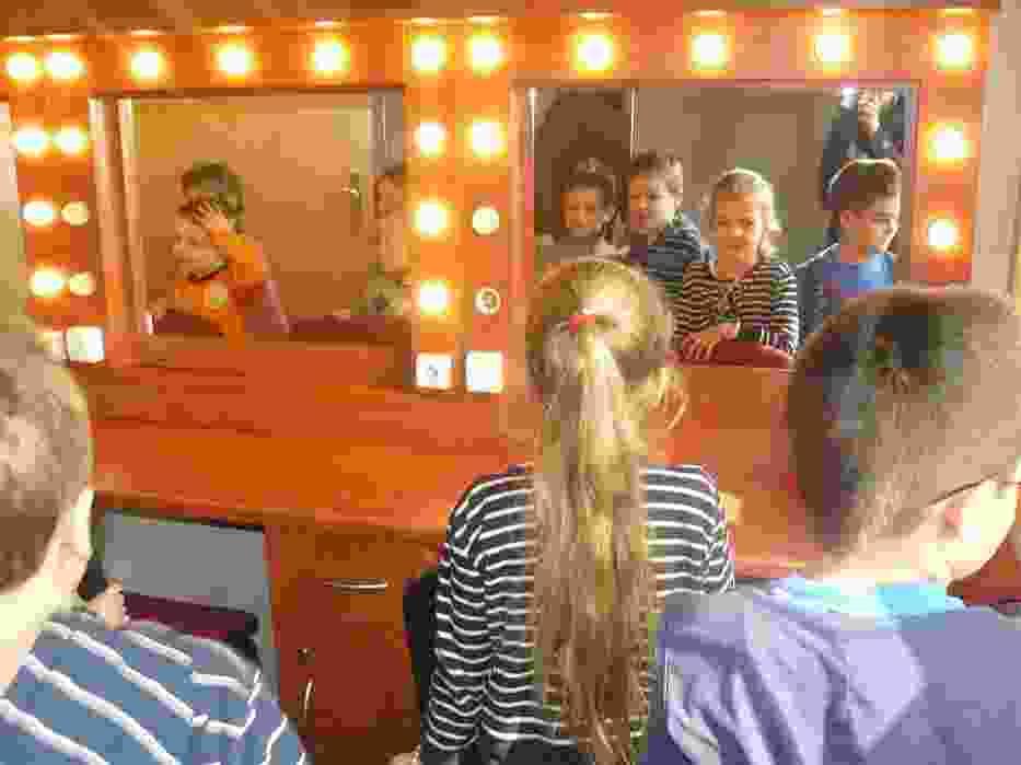 Przedszkole nr 4 w teatrze w Sieradzu